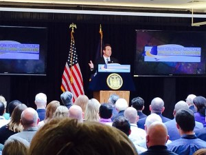 Andrew Cuomo addresses a crowd at the GE-CNSE New York Power Electronics Manufacturing Consortium announcement