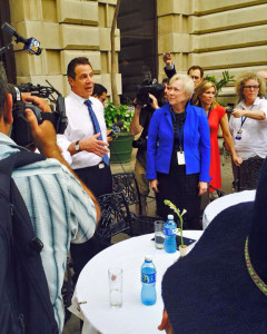 Chancellor Nancy Zimpher and Governor Andrew Cuomo meet with SUNY students in Cuba.