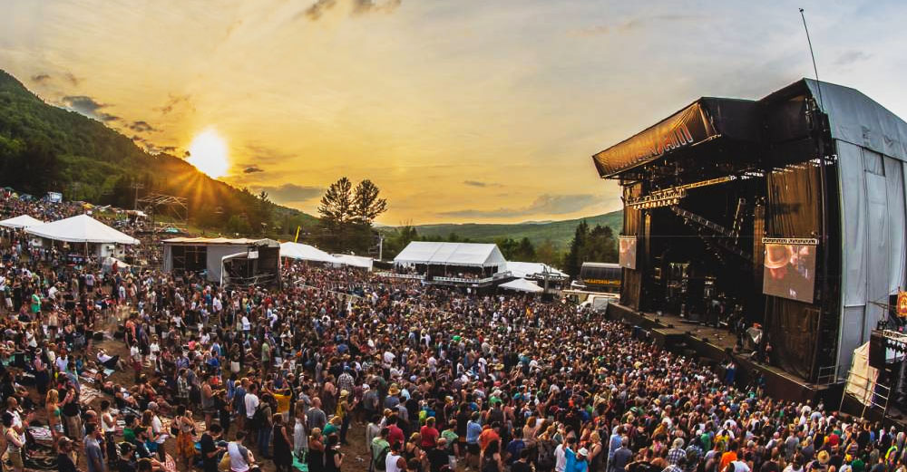 Mountain Jam stage and crowd.